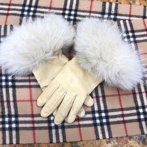 Alexandra Bartlett Fox Fur Gloves